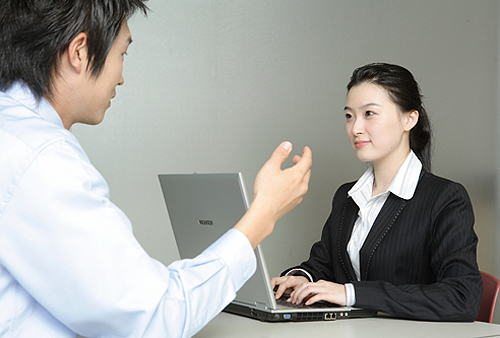 Right Way To Interview Job Candidates